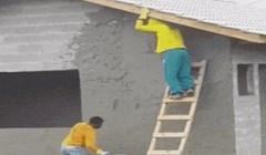Ovi građevinski radnici imaju vrlo neobičnu metodu cementiranja kuće