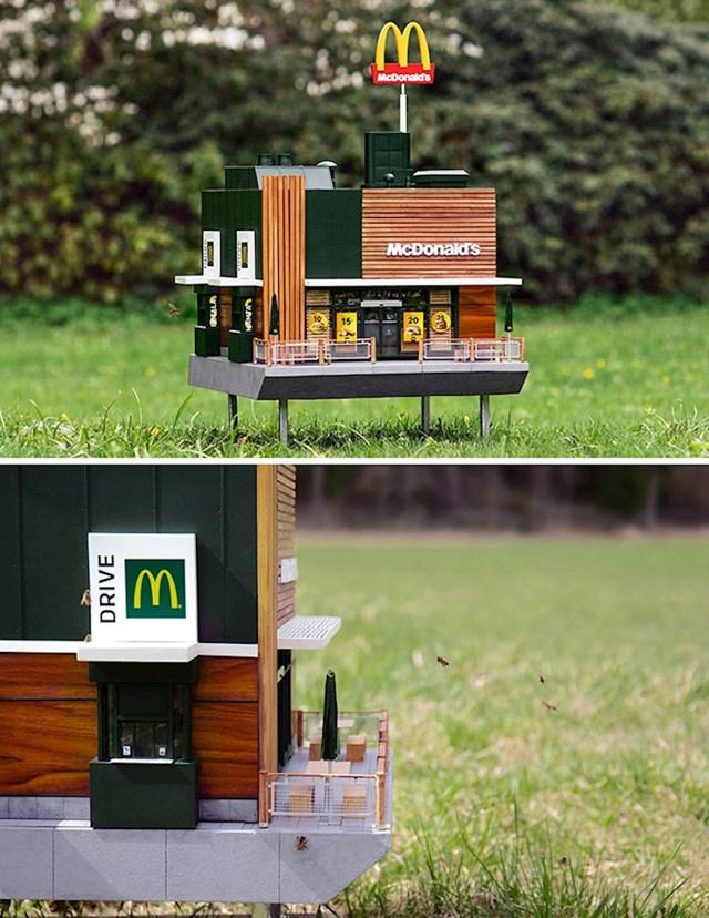 2. Najmanji McDonald's na svijetu (maketa)