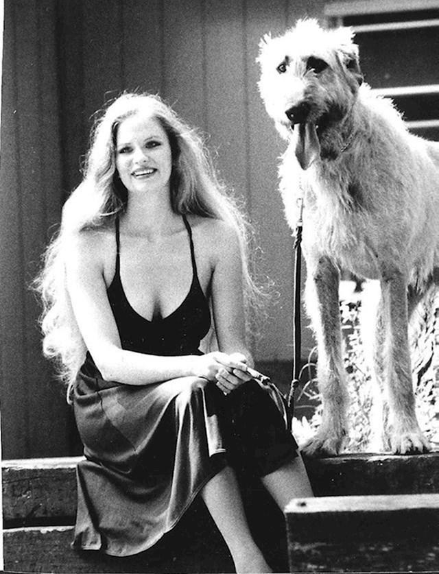 """""""Moja baka i njezin pas, 1970-ih."""""""