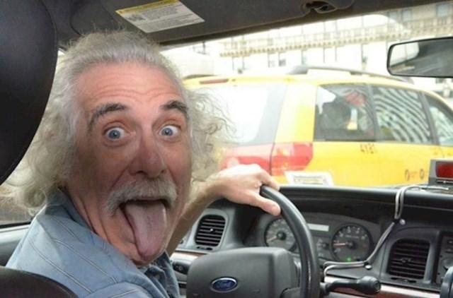 1. Einstein je otkrio kako putovati kroz vrijeme.