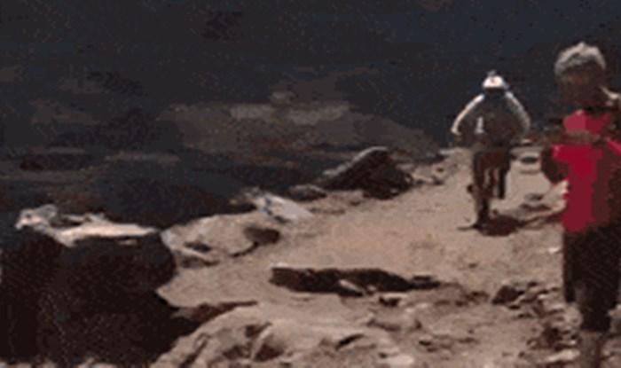 Biciklist planirao izvesti opasan trik, no sve je pošlo nizbrdo