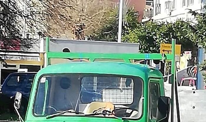 Natpis na kamionu iz Šibenika je sve što morate vidjeti za kraj 2020-te