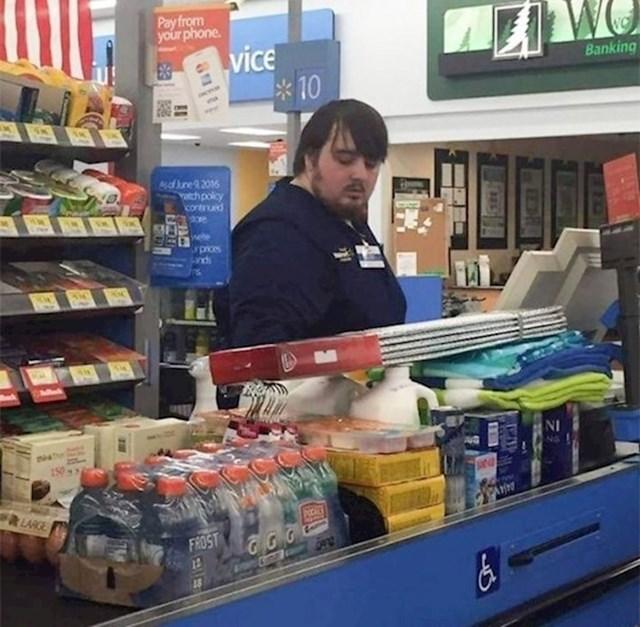 6.  Samwell Tarly iz Igre prijestolja se zaposlio u supermarketu?