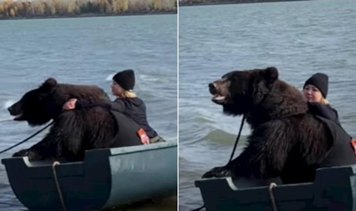 VIDEO Spasila je medvjeda od neizvjesne sudbine, a sada ga vodi sa sobom u ribolov