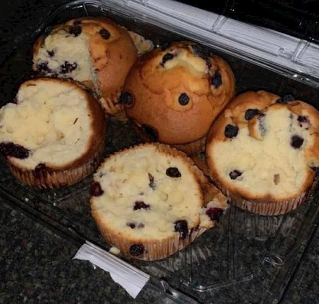"""8. """"Kako moja cura jede muffine..."""""""