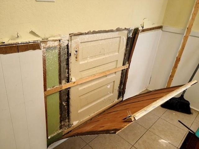 15. Preuređujemo kuću u kojoj živimo već 15 godina i prvi put smo otkrili ova vrata.