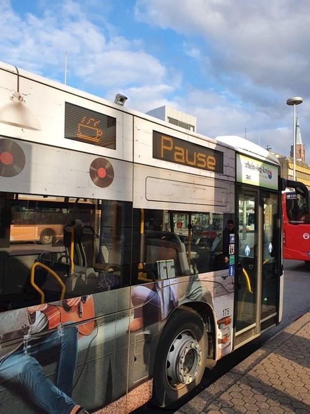 1. Kad vozači autobusa idu na pauzu, na vozilu se pojavi ova ilustracija kave.
