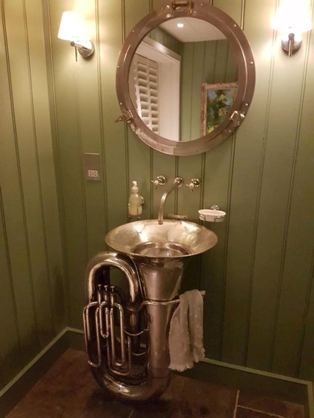 5. Interesantan umivaonik...