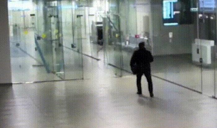 Snimka nespretnjakovića koji je razbio staklo u uredu postala je viralni hit, morate vidjeti zašto