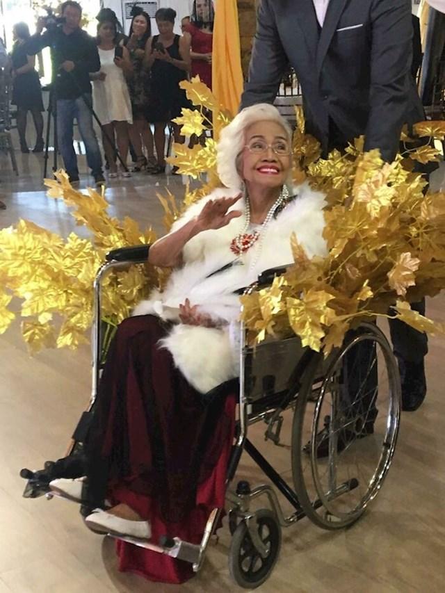 24. Ovako je moja baka proslavila 101. rođendan. Kraljica!🥰