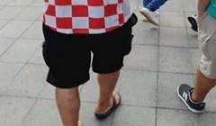 Netko je na zagrebačkoj špici fotkao lika s natpisom na dresu zbog kojeg su se svi okretali za njim