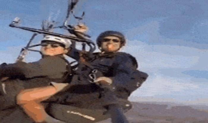Dvojica paraglajdera dobili su nenadano pojačanje, ovo morate vidjeti