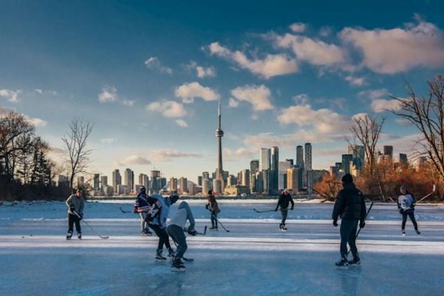 13. Hokej na zaleđenom jezeru