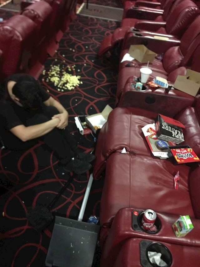 2. Radim u kinu i svaki puta nakon projekcije dočeka me ovo. Ljudi, budite pristojni i uredni!