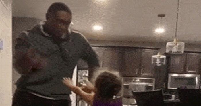 Tata i kćerka su plesali, a onda je ona izvela nešto nevjerojatno