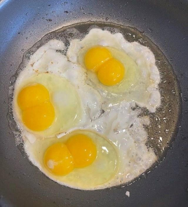 Čovjek je htio speći samo 3 jaja, a dobio gratis.😊