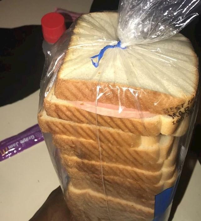 13. Žena koja si je složila sendvič i zaboravila gdje ga je stavila