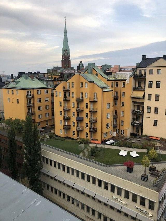 13. U Stockholmu postoje zgrade na zgradama.
