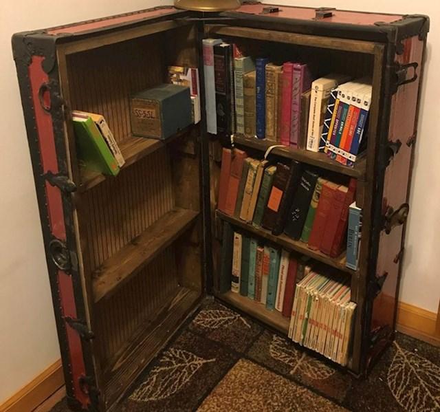 10. Pretvorila je stari kofer u policu za knjige