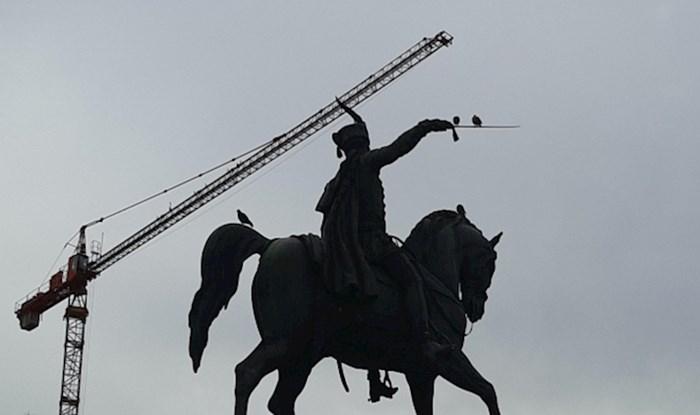 Netko je na Trgu ispod kipa bana Jelačića primijetio stvarno čudan detalj koji je zbunio mnoge