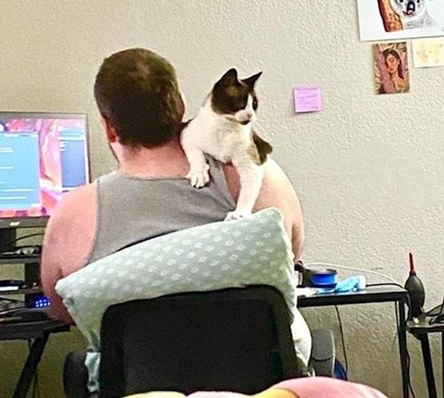 """""""Mrzio je mačke. Danas se ne razdvaja od svoje ljubimice."""""""