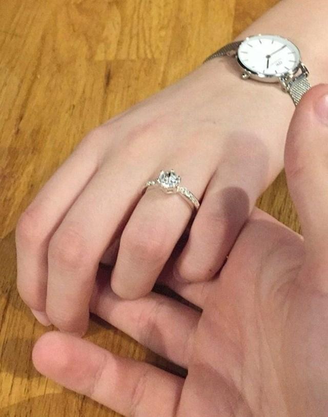 "18. ""Rekla je da ne. Ali stavila je prsten da se osjećam bolje. """