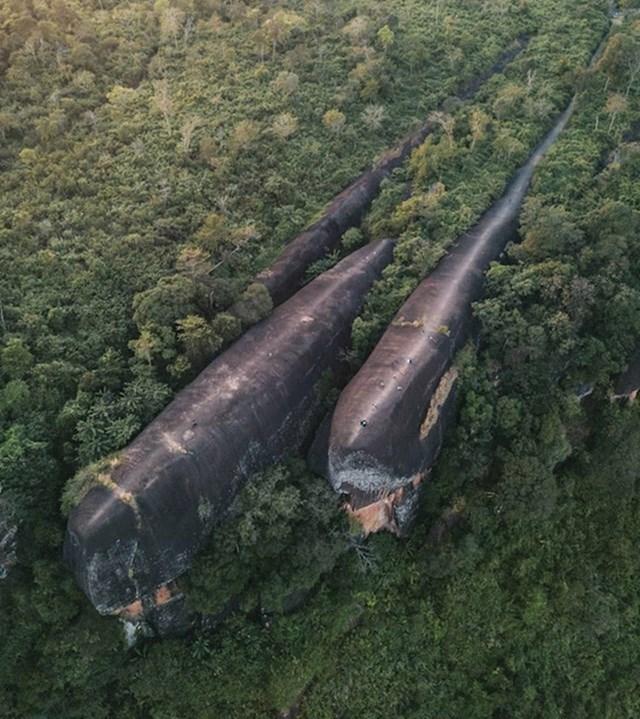 9. Stijene koje izgledaju poput kitova, Tajland