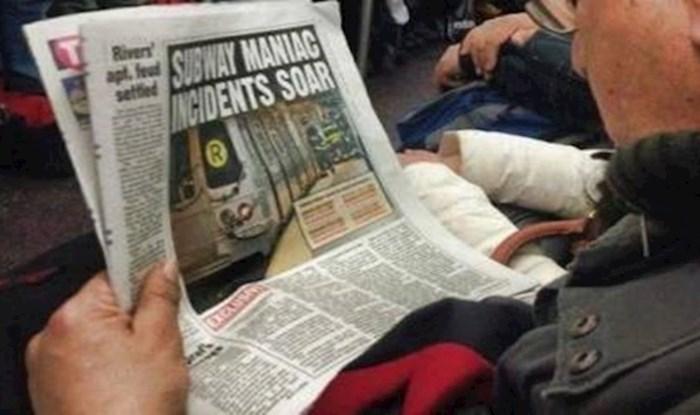 Dok ovaj lik mirno čita novine, u podzemnoj se događa nešto prečudno