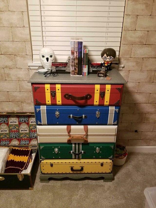 15. Preslatki ormarić s motivima iz Harryja Pottera koji je otac izradio za svojeg sina