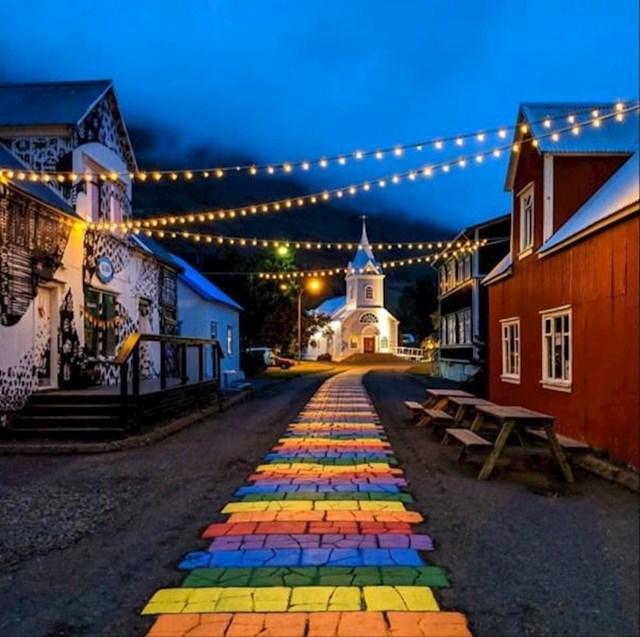 8. Ulice u malim mjestima na Islandu su jako toplo i simpatično uređene.