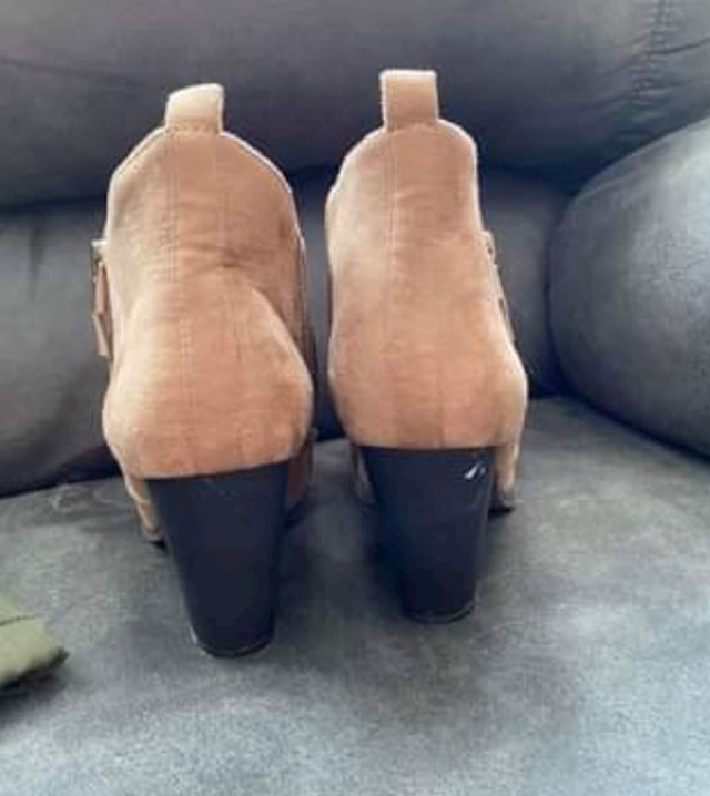 10. Čizme koje izgledaju kao sirova piletina