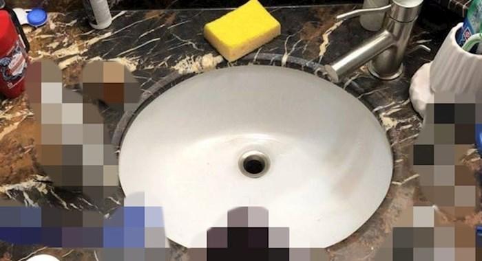 Uselila se kod njega prije 4 dana, već se požalio internetu na situaciju u kupaoni