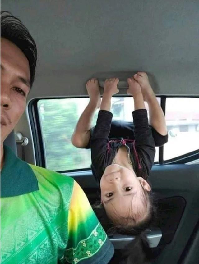 7. Vrlo hiperaktivno dijete.