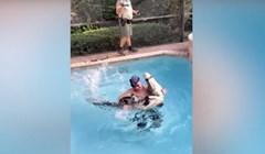VIDEO Pogledajte kako se ovaj hrabri čovjek bori sa aligatorom većim od njega