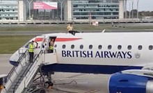 VIDEO Pogledajte zašto se ovaj čovjek popeo na vrh zrakoplova
