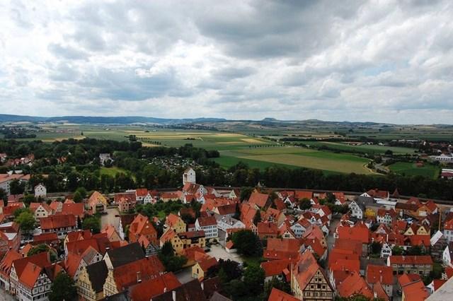 Stanovnici Nordlingena stoljećima žive u krateru meteorita.