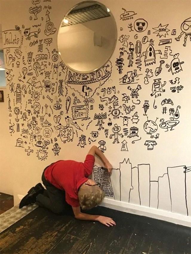 Joein tata svakog dana nakon škole vozi ga u restoran kako bi završio crtež.