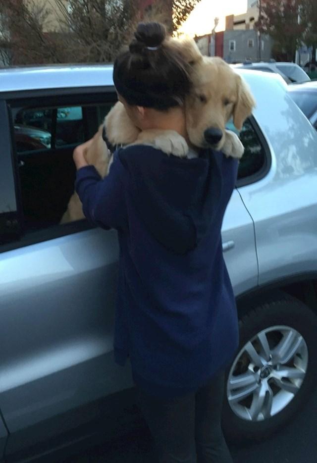"#8 ""Dok sam se pozdravljala, moj pas napravio ovo ..."""