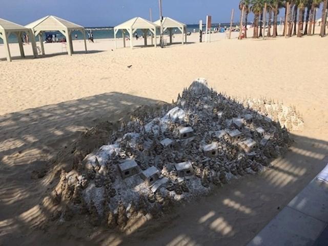 Ono kad na pješčanoj plaži uspiješ napraviti snježnu idilu... od pijeska. Ručno.