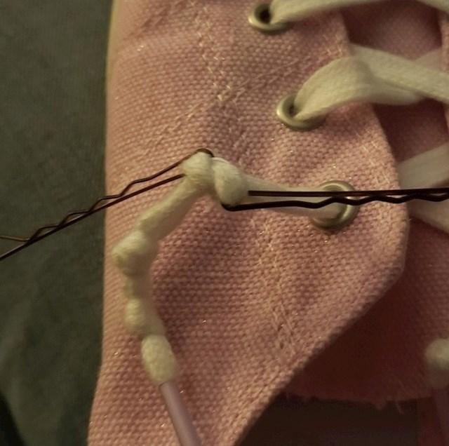 #15 Koristite ukosnice za odvezivanje tvrdoglavih vezica.