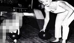 Pogledajte tko je neobični suigrač ove glumice na fotografiji nastaloj 1958. godine