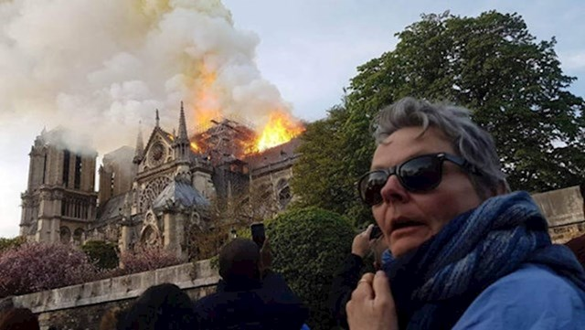 """1. """"Moja mama prvi put je posjetila Pariz."""""""