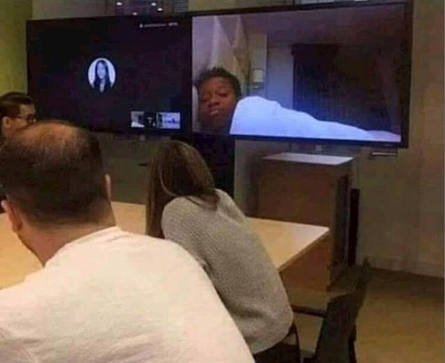 10. Ova osoba radila je od kuće i pritom pritisnula video umjesto audio.
