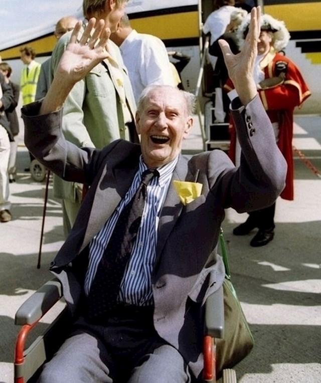 101-godišnji muškarac rođen je prije izuma aviona, ali nikada prije nije letio.