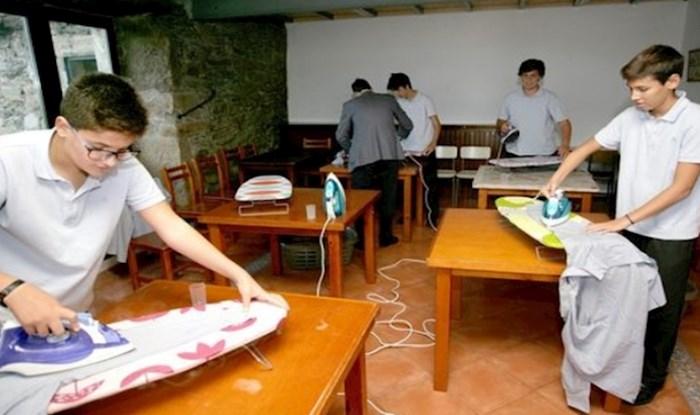 Ova španjolska škola dječake podučava kućanskim poslovima i tako se bori protiv rodne nejednakosti