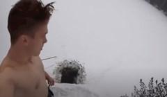 VIDEO Napravio je rupu u ledu pa izveo nešto jako opasno, centimetri su ga dijelili od bolnice