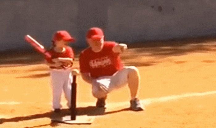 Tata je učio svoju kćerku kako udariti loptu bejzbol palicom, gadno je požalio tu aktivnost