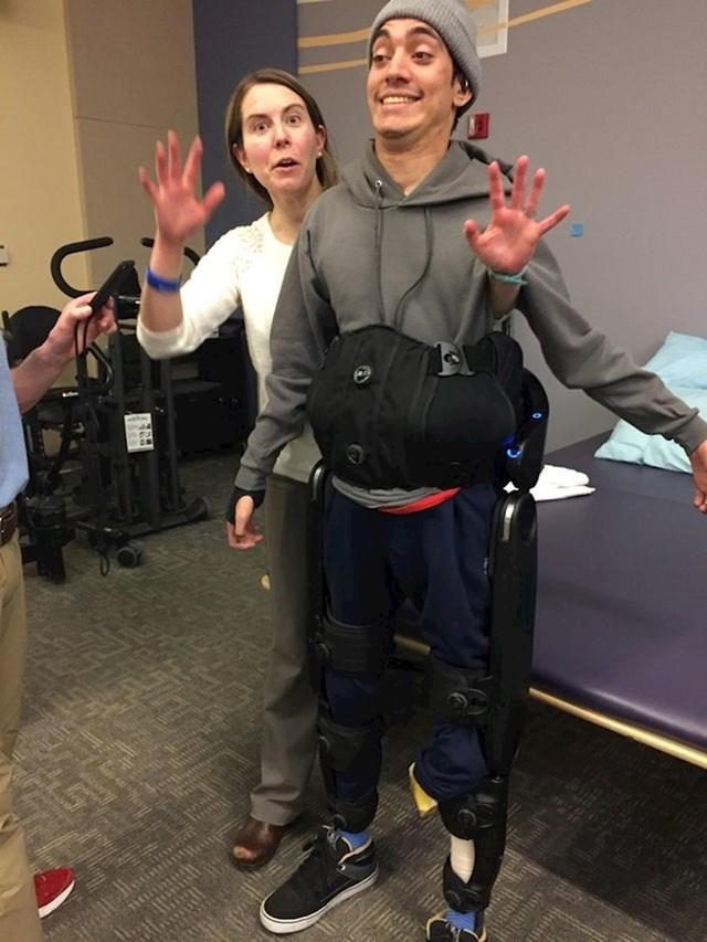 Hodanje prvi put pomoću egzoskeleta