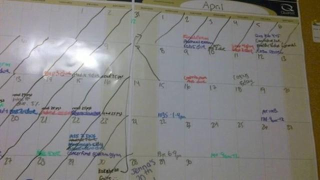 """""""Zamolila sam dečka da prekriži datum na mom kalendaru. Ponekad mi se čini da me namjerno želi naživcirati..."""""""