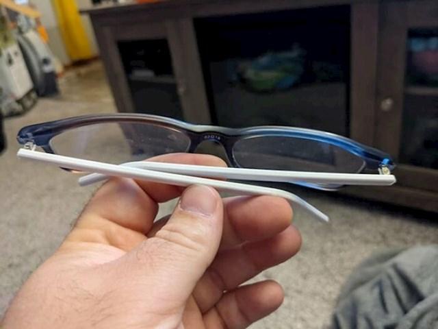 """""""Slomio sam naočale i uštedio 200 dolara 3D printanjem slomljenih dijelova."""""""